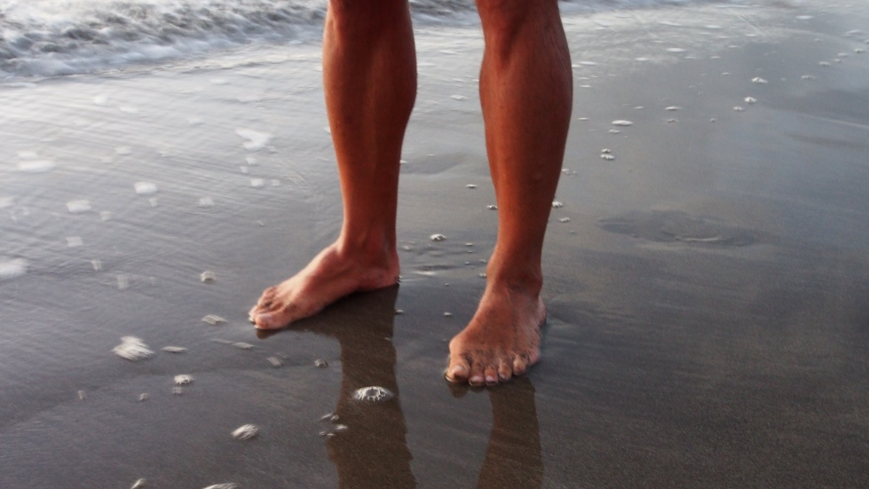Barefoot: the only way to run naked on the beach!