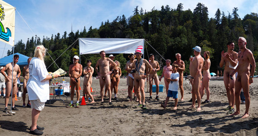 wreck-beach-bare-buns-run-2016_panorama11